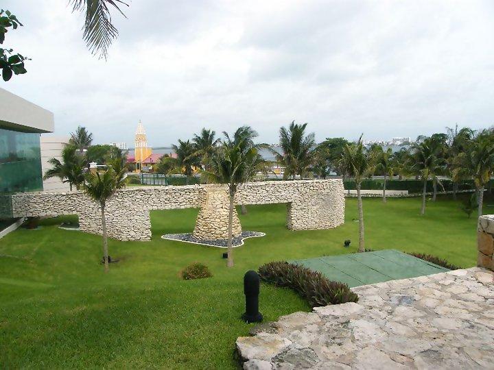 Grand Park Royal Cancun Caribe Mexico Yoga