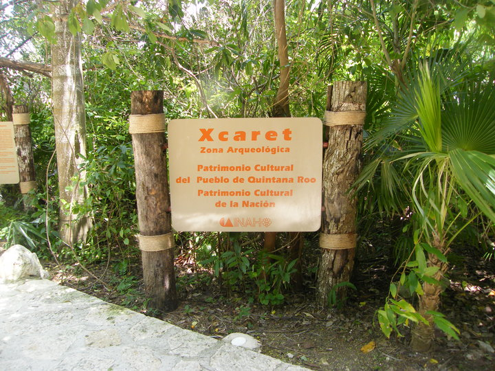 xcaret-sign