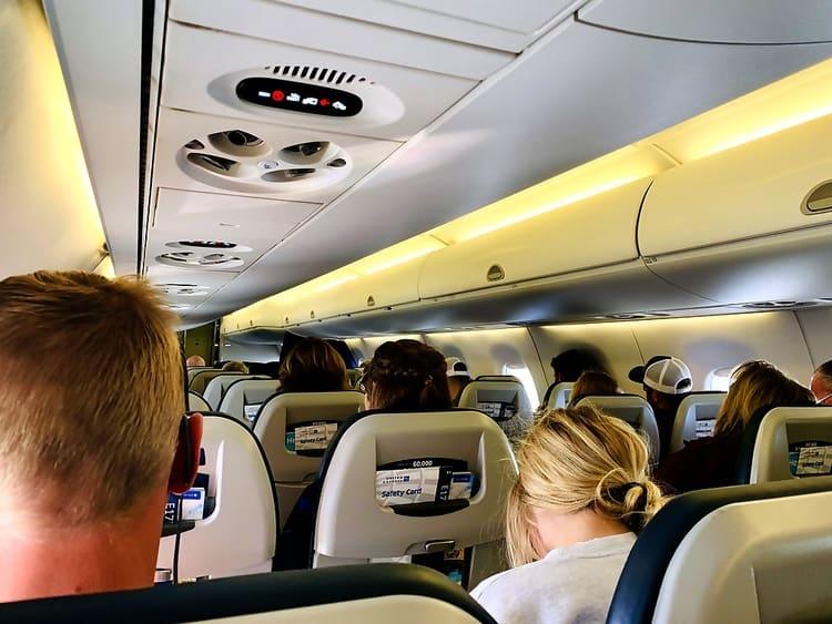 United Airlines Travel Plane Flight