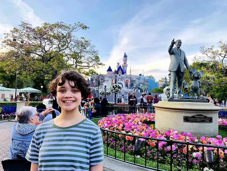 Disneyland Castle Walt Disney Statue Hayley