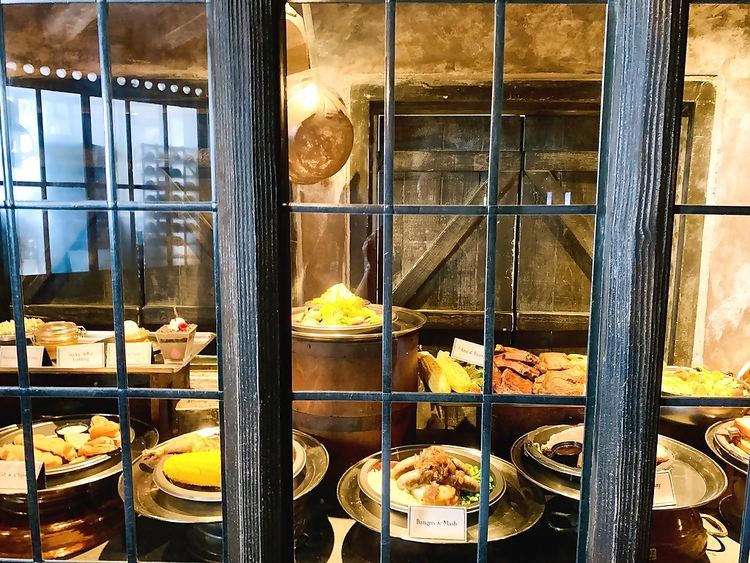 Universal Studios Hollywood Wizarding World of Harry Potter The Three Broomsticks Food