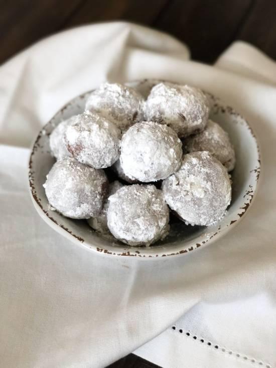 chocolate-snowball-cookies