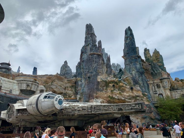 Smugglers Run Millennium Falcon Star Wars Galaxy's Edge
