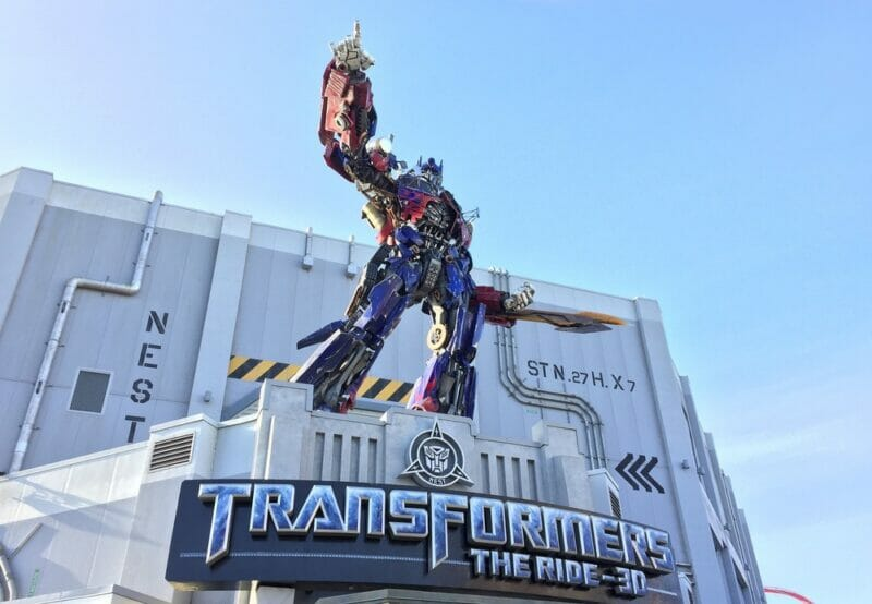 Optimus Prime outside Transformers ride at Universal