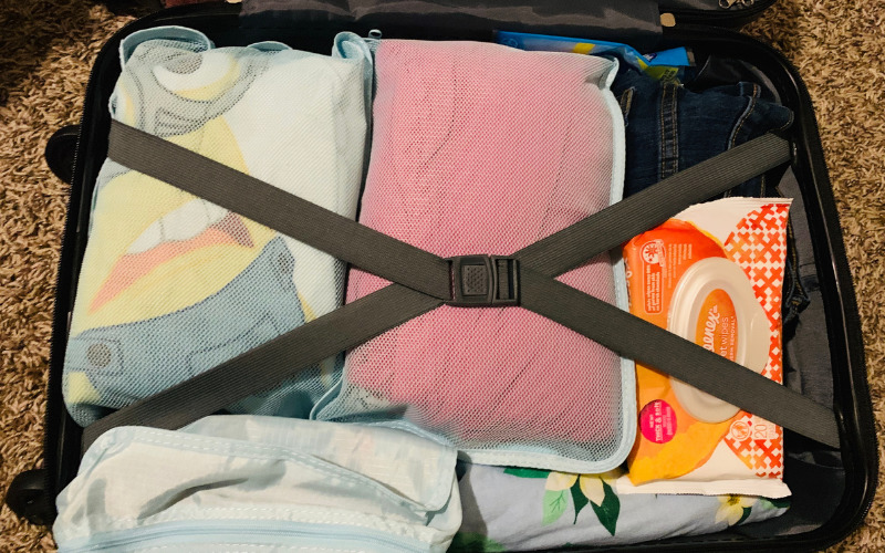 Carry on suitcase using packing cubes